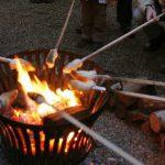 Feuerchen und Stockbrot