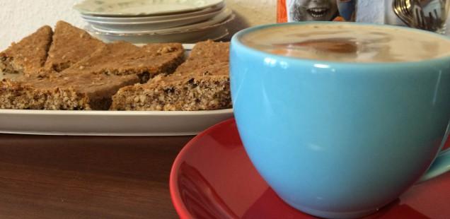 Kaffeklatsch und Spiele im Seniorenheim