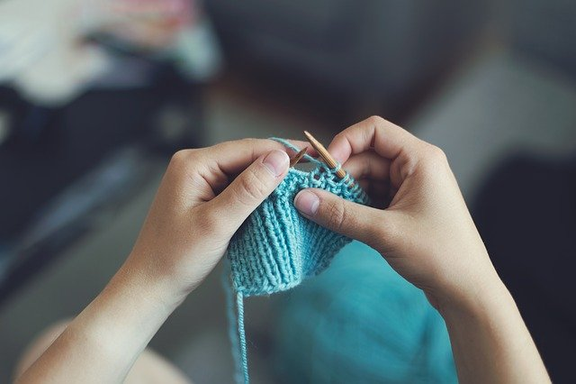 knit-869221_640